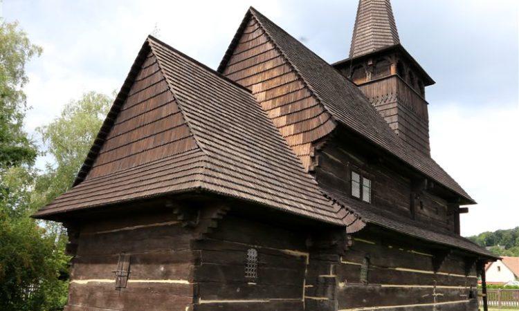 Dobříkov-dřevěný-kostelík-12